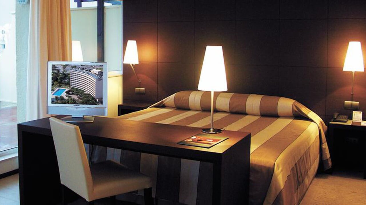 Domaine Des Ormes Hotel
