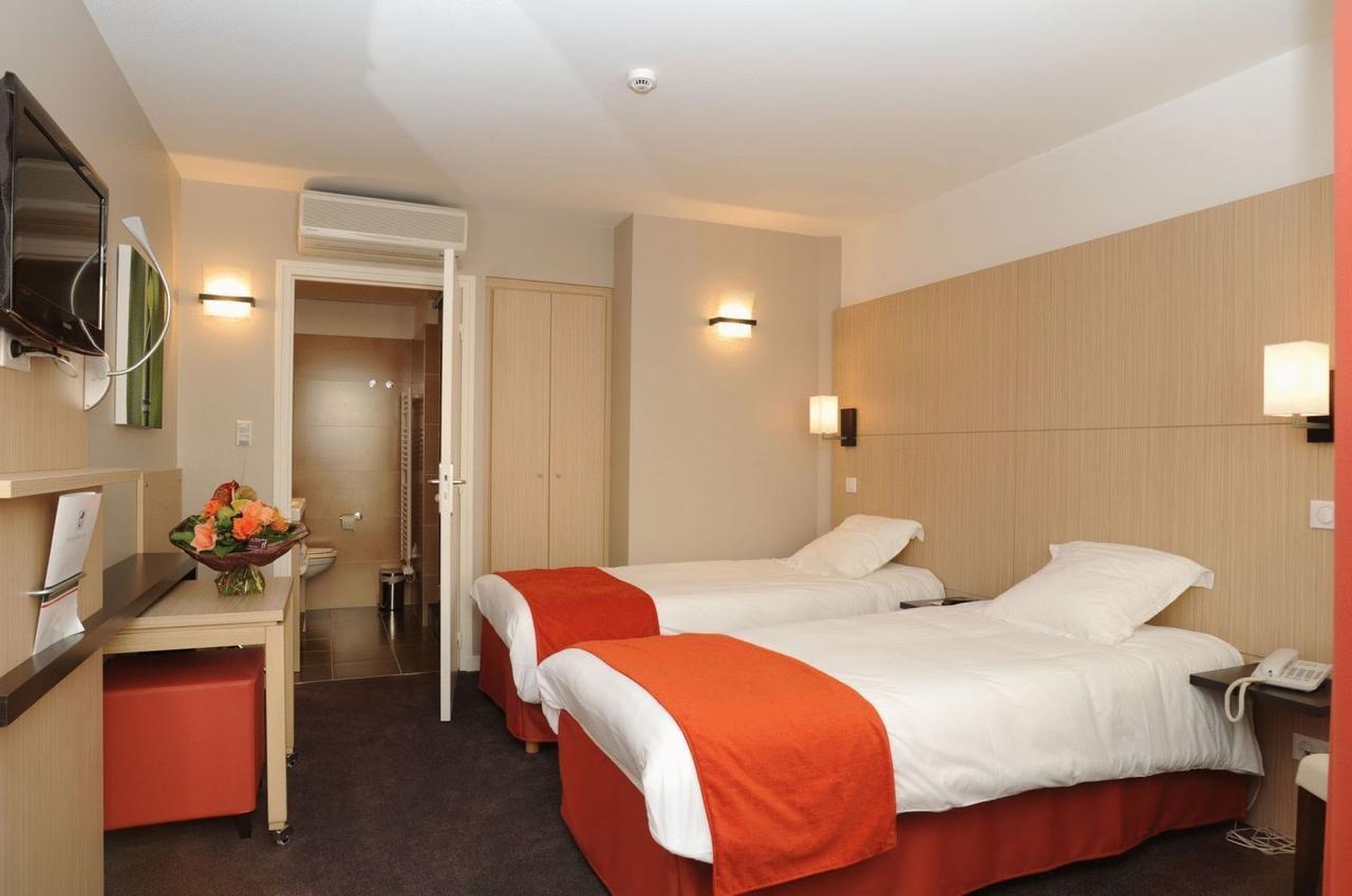 Hotel Red Fox