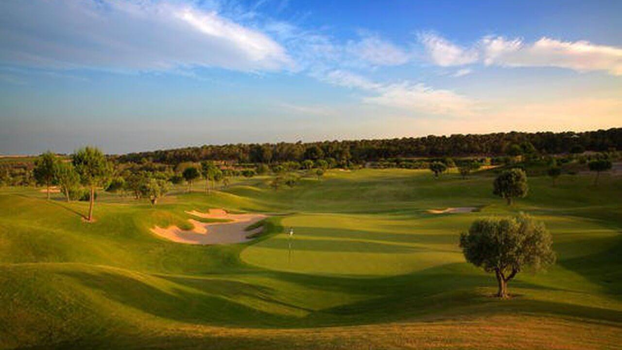 Las Colinas Golf Resort