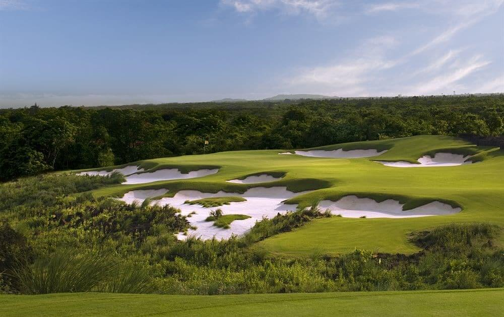 Mission Hills Golf Resort