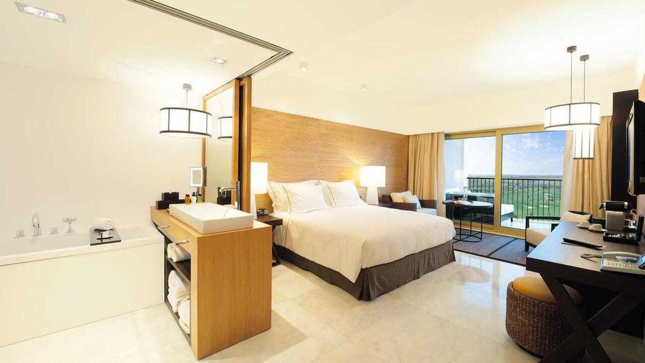 Anantara Golf Resort and Spa