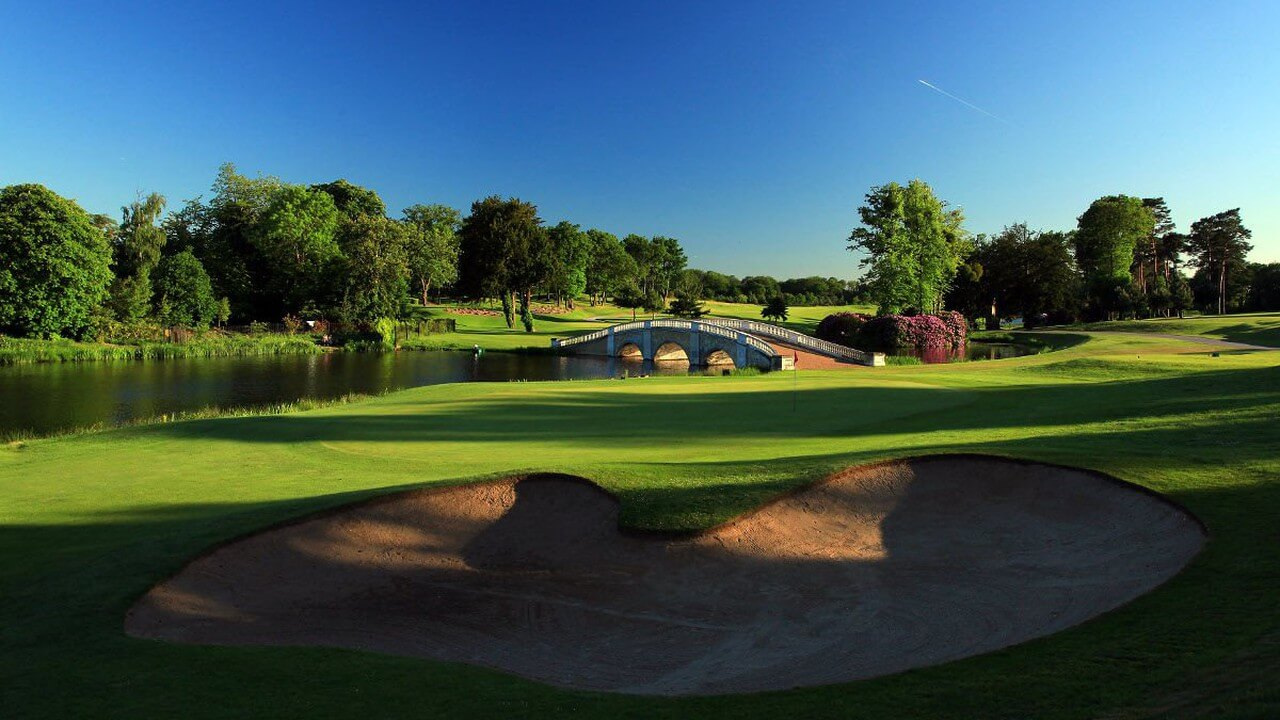 When is the best time for a golf holiday to Spain?