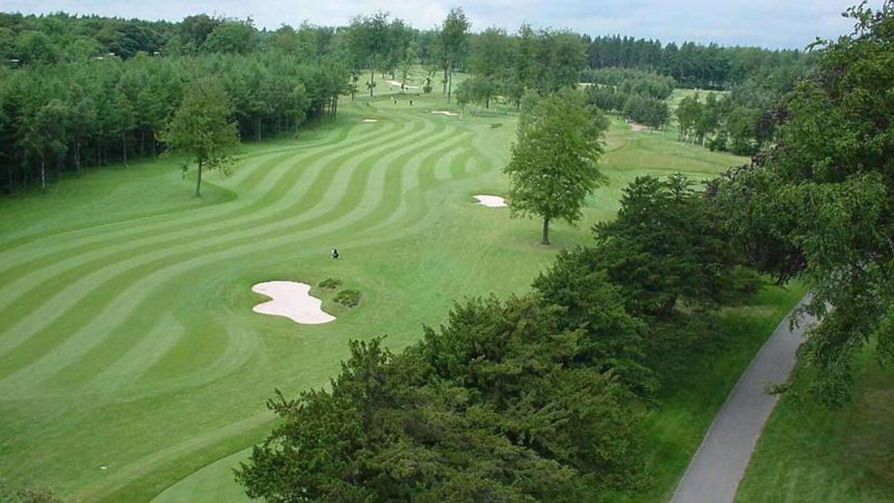 What'sthe best time to play golf in the UK?